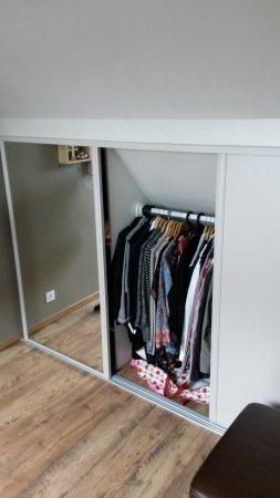 nos r alisations placard et dressing sous pente cousin bois. Black Bedroom Furniture Sets. Home Design Ideas